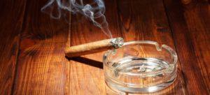 cigaretový zápach