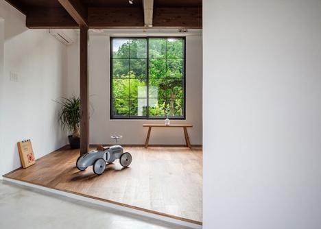 Scandinavian-Middle_renovation_by_Kichi_Architectural_Design_dezeen_2