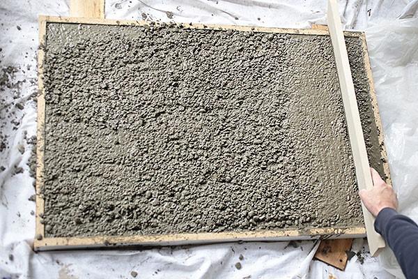 betonovy-stol-10