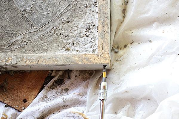 betonovy-stol-11
