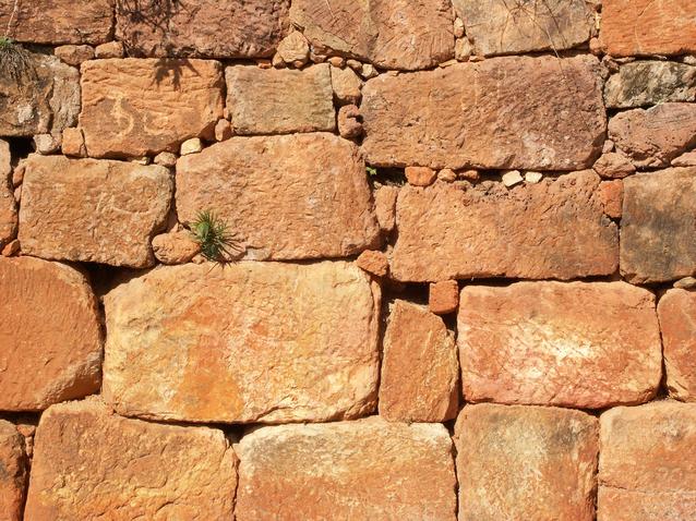 kamenny-mur-10