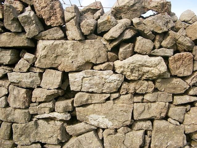 kamenny-mur-6
